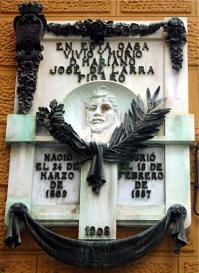 Placa conmemorativa en la casa de Larra